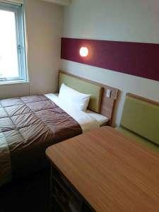 スーパーホテル青森:リニューアルしたばかり!150cmのワイドベッドでごゆっくりどうぞ。