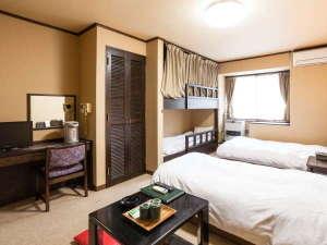 貸切コテージ・コンドミニアム 苗場ウエスト:ウエスト館はツインベッドと2段ベッドがあります