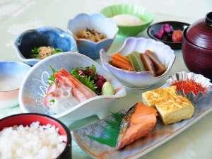 新冠温泉 レ・コードの湯 ホテルヒルズ:朝食【和定食】ボリューム満点の和定食
