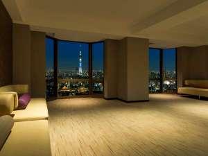 20F「眺望室」シティビュー客室のお客様もスカイツリーを眺められます
