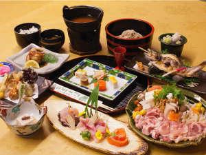 信州角間温泉 岩屋館:岩屋館の料理は地の物をふんだんに取り入れ、 旬にこだわり、丁寧に調理した山里料理です。