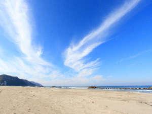湯野浜温泉 割烹旅館 湯野浜ホテル:*【湯野浜海岸】雄大な日本海を眺めながらのドライブも気持ちいい♪海岸は当館から徒歩約5分です!