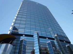 オフィスビル【三井生命アジュール仙台】は、ホテルから徒歩2分です。