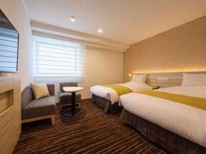 ホテルJALシティ仙台:【スタンダードツインルーム】シモンズ製 幅120センチのベッドが2台。お部屋はゆとりの24㎡