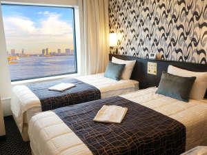 ベイサイドホテル アジュール竹芝・浜松町:改装したお部屋(17㎡)はシックな色調です