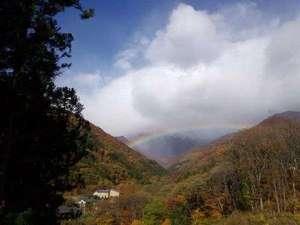 ■谷川岳展望駐車場■これぞ「虹の谷」谷川温泉