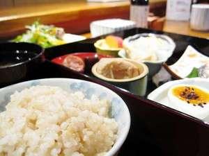 プチベネフィットホテル広島:もっちり玄米の和朝食リピーター続出です