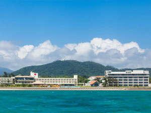 石垣島ビーチホテルサンシャイン:石垣島のビーチ・プールで思いっきり遊んだ後は島内唯一の展望露天風呂で思う存分お寛ぎくださいませ。