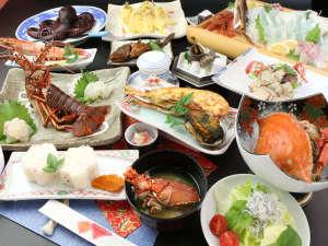 藍風亭:超豪華プランにはあわび刺・バター焼き・生伊勢海老焼きなどの豪華料理をさらにプラス!