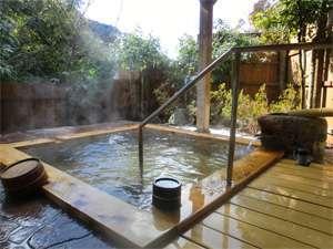 神明温泉湯元すぎ嶋:2010年12月にリニューアルした貸切露天風呂
