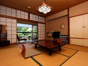 魚料理の宿 峠の湯 大家荘:◆昔ながらの寛ぎ和室です。川のせせらごと緑に癒されます。和室8~10畳(一例)