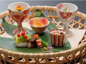 料理一例 口コミ90点以上の厳選食材を使用した月替わりの花紋流懐石料理