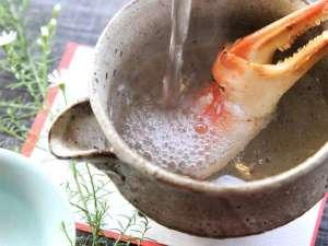 【丹後地酒】 丹後の地酒で作る蟹酒も魅力のひとつ。ここでしか味わえない極上の一杯に。