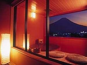 富士の宿 おおはし:温かみのある落ち着いた雰囲気の癒しの空間