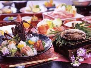 秀花園 湯の花膳:貴賓室だけでしか食べられない伊勢海老・鮑orステーキまで付く【花ざかりの膳】