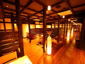 野沢温泉 河一屋旅館:雪囲いをイメージしたお食事処 ※お食事処のご指定は不可