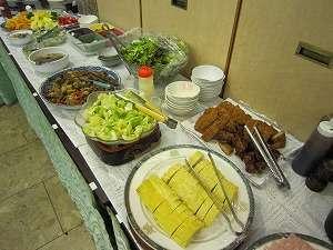ユニゾイン広島:朝食バイキングの一例(揚げ物等)