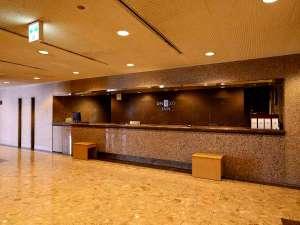 ユニゾイン広島:明るく開放的なロビー 無料インターネットあります!
