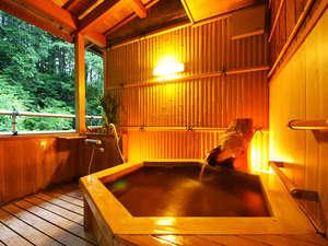 湯の花温泉 松園荘 保津川亭 (しょうえんそう ほづがわてい):≪露天風呂付客室一例≫和の趣漂うプライベート空間で、ゆっくりと温泉をお楽しみいただけます。