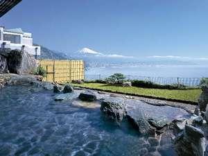ホテルアンビア松風閣:焼津黒潮温泉の露天風呂から富士と駿河湾を望む
