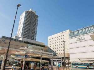 ホテルメッツ横浜鶴見<JR東日本ホテルズ>:ホテル外観(鶴見駅東口バスロータリーより)