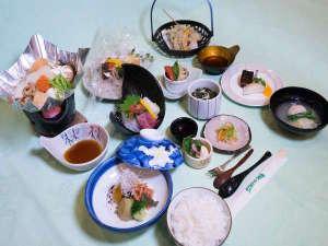 サンフラワーパークホテル 北竜温泉:【夕食膳】2015年冬宿泊の夕食膳 2,800円のコース12品。身体を温める素材をたっぷり使いました。
