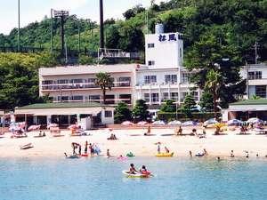 小豆島 シーサイドホテル 松風:目の前が鹿島ビーチです。お部屋から水着のまま行けます♪