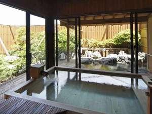 露天風呂棟「湯喜望殿」内湯からの眺め