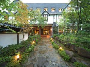 名峰槍ヶ岳を望む宿 穂高荘山のホテルの写真