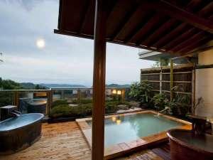 岳温泉 ながめの館 光雲閣:2014年リニューアル女性露天風呂。壺風呂も三つ新設。