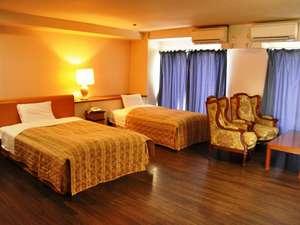 ロイヤルメイフラワー静岡(旧しずおかロイヤルホテル): R701