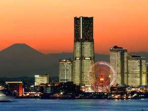 横浜ロイヤルパークホテル :客室は52階以上、抜群の景観をお楽しみください