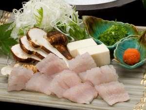 加賀山代温泉 みどりの宿 萬松閣:9月限定「鱧と松茸のお鍋」「松茸の釜飯」がメインの特別会席です。