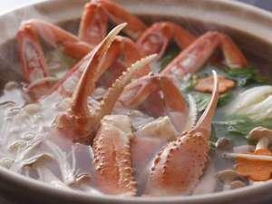 香住 川風香るかにの宿 颯花(さつはな):冬はかに鍋。自家製ポン酢でおいしく。