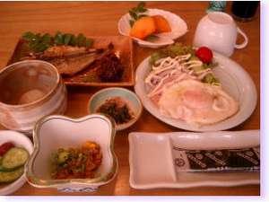 民宿 下流荘(したるそう):和風朝食 全7品モーニング珈琲はご自由に!