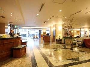 ホテル函館ロイヤル:【ホテルフロント】お困りのことがありましたら、お気軽にお声がけくださいませ!