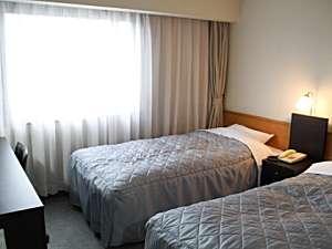高知共済会館 COMMUNITY SQUARE:ツインルーム (15.5平米) シモンズベッド・加湿空気清浄機・地デジ対応液晶TV・ウォシュレット