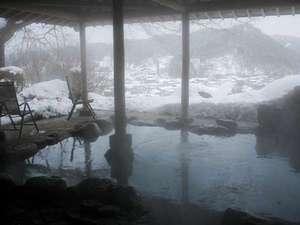 飛騨高山随一の眺望と5つの貸切風呂の湯宿 高山観光ホテル:冬と言えば温泉!そして雪見露天。ほっこりあったか温泉をお楽しみください。