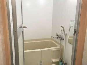 やすらぎの森 コルザ:家庭用のお風呂が3部屋あります。