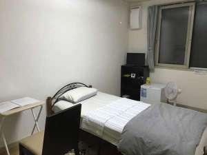 やすらぎの森 コルザ:シングルルームです。1名様までご利用いただけます。広さはシングル、ツイン共に同じ広さです。
