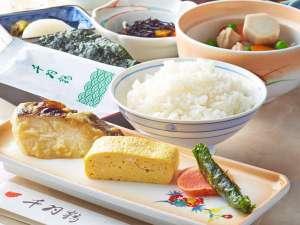 味噌・出汁・米にこだわった千羽鶴の朝食