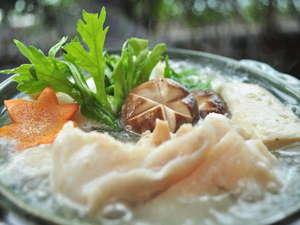 かつうら御苑 那智の滝を遠望できる海辺の絶景露天と美食の宿:紀州の秋・冬の鍋と言えば「クエ鍋」♪コラーゲンいっぱいの高級魚を召し上がれ♪