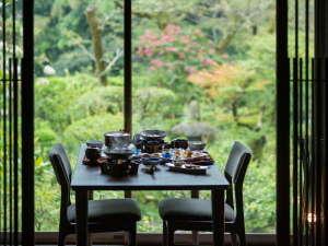鶴の恩返し よみがえりの宿 鶴霊泉の写真