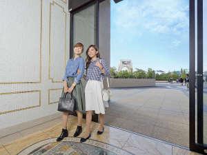 The Park Front Hotel at Universal Studios Japan(R):パーク側エントランス パークが目の前!