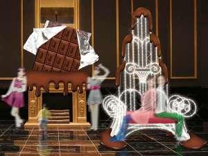 The Park Front Hotel at Universal Studios Japan TM:ロビーにバレンタイン仕様のビッグな板チョコが登場! インスタ映え間違いなし♪ 2/3~3/16