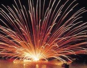さかなやさん直営 海鮮の宿 三国温泉 えびす亭:毎年8月11日は三国サンセットビーチで大花火大会開催 えびす亭からもみえますよ