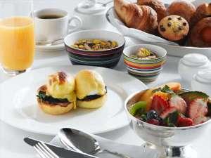 コンラッド東京:エッグベネディクトが人気のコンラッドの朝食