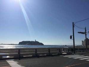 AS ONE Style in 湘南:腰越橋からの風景