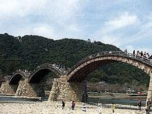 元祖岩国寿司の宿三原家