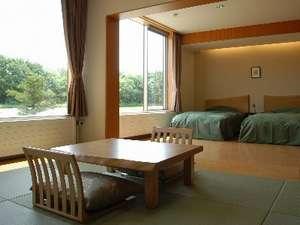 ホテル清さと:ゆったりした和洋室